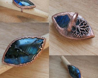 Labradorite and copper tree,  rough statement ring