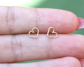 Gold stud earring  /  Tiny stud earring / Tiny heart gold earrings / heart stud earrings / heart earring / Ros gold  stud earring
