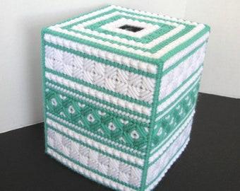 Plastic Canvas Boutique Tissue Box Cover - Mint and White