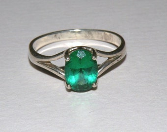 Sterling Ring Green stone ring