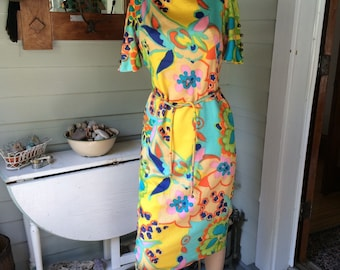 Silk Dress size 8 Hand Tailored in Hong Kong Mod Floral 60'a Vintage