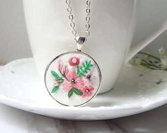 handmade embroidery pink flower pendant necklace  0499