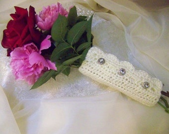 Victorian Style Bouquet Wrap, Floral Wrap, Hand Crochet, Cream, Ready to ship