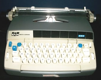Vintage Smith Corona 250 Electric Typewriter
