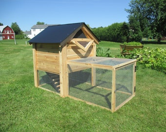 The Ultimate Backyard Chicken Coop With Run **Free Shipping US48**