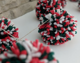 Christmas Holiday pom pom yarn garland *Red Green & White*