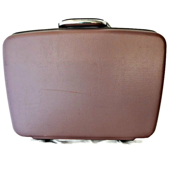 bc07efe153aa Vintage Samsonite Luggage Pieces (We Found the Best)
