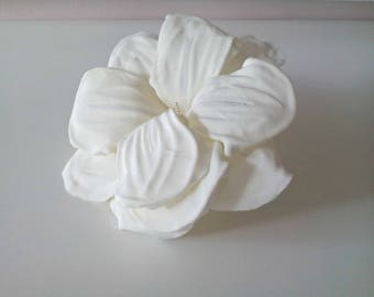 Ivory bridal  flower fascinator, Beach wedding flower, Bridal headpiece, Wedding hair accessory, Ivory bridal hair piece, Floral hairpiece
