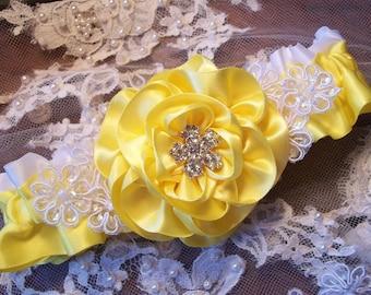 Wedding Garter, Yellow Rose and Lace Daisies Garter, Bridal Garter with Rhinestone Center, Prom Garter