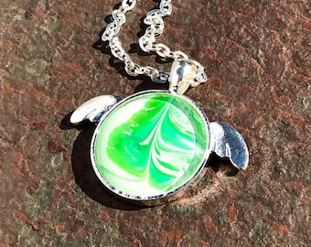 Sea Turtle Pendant with an original acrylic paint inlay 1 inch Round –  Silver Turtle/Chain