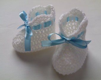 Crochet Baby Booties gift baby blue pink white satin ribbon