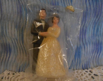 Vintage Bride and Groom Wedding Cake Topper-4.5 Inches Tall - Sealed