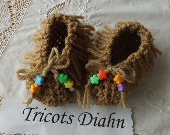moccasins baby newborn - 3 months crochet with beads.