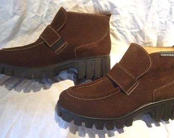 CHEVIGNON Shoes - Brown suede - Size 7.5 (US)