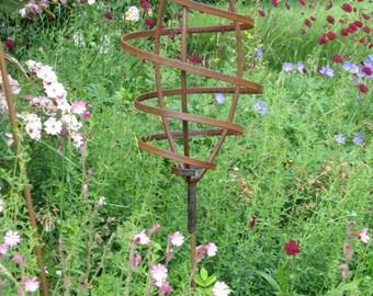 Rustic Elevated Mini Pod Metal Garden Sculpture