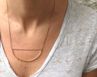 Curved Bar Necklace ~ Simple Brass Arc Necklace ~ Modern Minimal Gold Arch Necklace