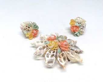 Vintage Estate Unique Retro Flower Cream Shell Brooch and Earrings Set
