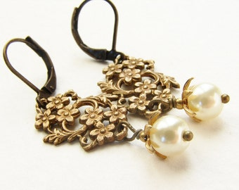 Vintage bridal earrings, wedding jewelry set, Bridal pearl floral filigree Swarovski ivory pearl, Wedding bridal party gifts
