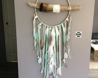 Dream catcher in driftwood and fake fur - mint and grey