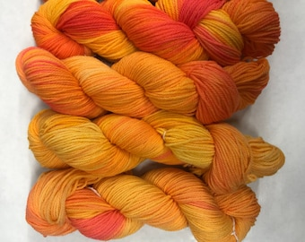 Hand dyed yarn/clementine