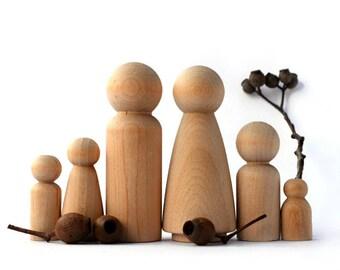 Wooden PEG DOLLS - Large 6 piece Family. Perfect for a Dollhouse! Wedding cake topper / Wooden pegdoll craft / Natural Pegdolls Australia