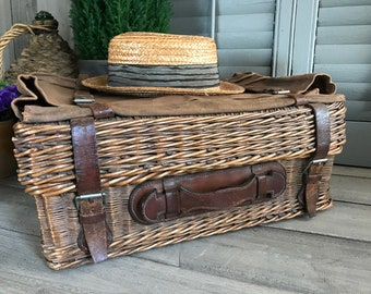 French Wicker Picnic Basket, Leather Handle Straps, Canvas Pocket