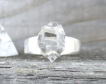Silver ring with Herkimer Diamond. Size 6.75 . Raw stone ring. Gemstone rings. Herkimer crystal ring. Raw crystal ring. Boho raw stone ring.