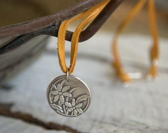 Printemps - saisons collier - Fine & argent. En cuir. Fait à la main.