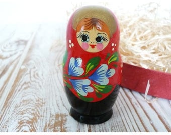 Russian Nesting Doll / Русская матрешка
