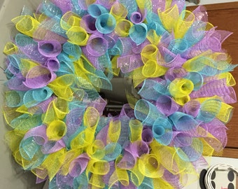 """24"""" Mesh Wreath to bring in Spring for those of us longing for the sunshine and warmth."""