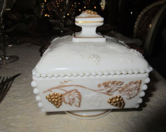 MILK GLASS CONTAINER with Lid