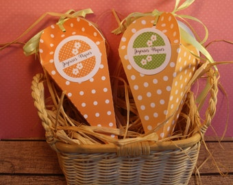 Carrot shaped set of 3 original cardboard boxes to fill with chocolates for Easter