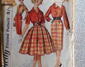 """1960s Blouse & Skirt - 32"""" Bust - Simplicity 3090 - Vintage Sewing Pattern"""