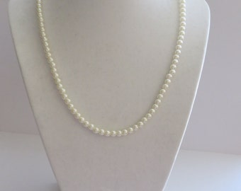Vintage White Faux Pearls Necklace