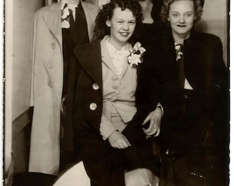 vintage photo 1940 Young Women Photo Booth Type Instant film snapshot