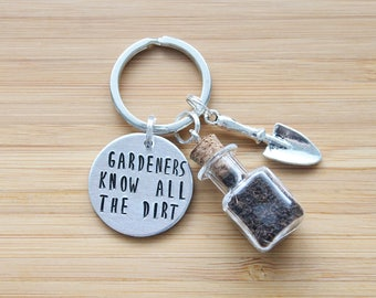 hand stamped keychain   gardeners know all the dirt