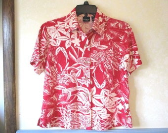 Erika Short Sleeve Red & White Floral Blouse. Size S petite. Linen and Rayon.