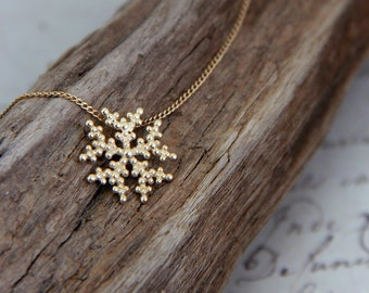 Gold Snowflake Necklace, 14K Gold Necklace, Dainty Solid Gold Necklace, Solid Gold jewelry, dainty 14K Gold Jewelry