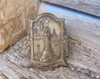 Vintage 1900s French religious stand coming from Lourdes Holy virgin Maria & Bernadette