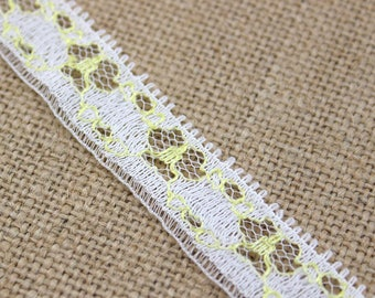 2 Yards of Vintage Lace in White and Yellow 0.6 Inches Wide