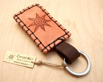 Handmade hand-sewn leather keychain Canapart. Ar