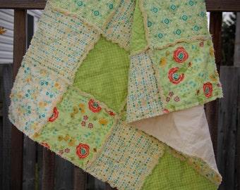 Green Chance of Flowers Girl Rag Quilt