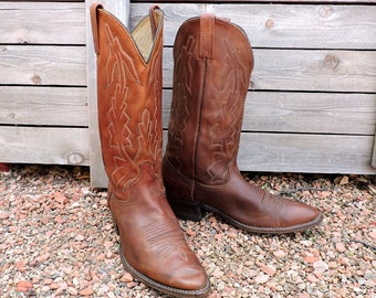 Vintage Dan Post cowboy boots mens 10.5 D / brown leather cowboy boots / mens western boots / brown leather cowboy boots