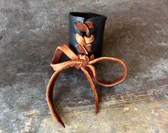 Transient ring//recycled Leather
