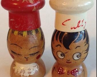 """Salt & Pepper Shakers Salty Peppy Chef Wood Hand Painted 4"""" Vintage"""