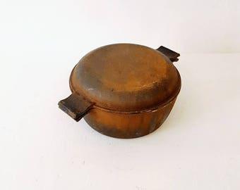 Vintage Roasting Pan, cast iron, round Roaster, Soup Pan, Stew Pan, Chicken roaster, vintage 80s