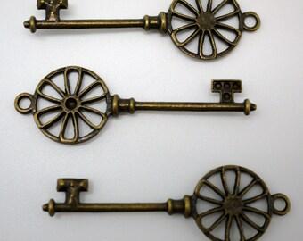 Antique Bronze Skeleton Key Charms 62x20mm - 10pcs (0952)
