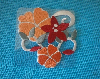 100% polyester fusible applique flower