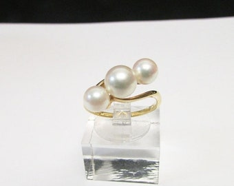 On Sale Vintage Estate Mid Century Mikimoto 18K Gold High Luster 3 Pearl Bypass Ring