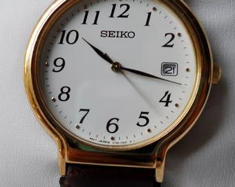 1988 Seiko V732-0220 Ladies Gold Tone Quartz Watch w/ Original Seiko Leather Band